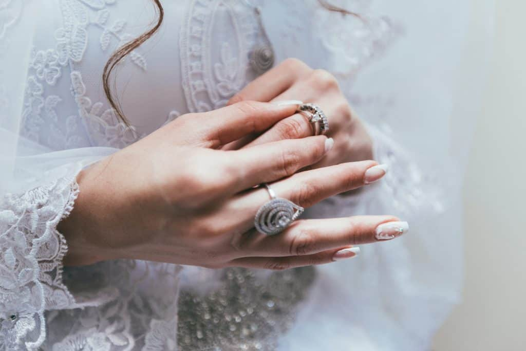 About Wedding Rings - Things To Consider Before Choosing One