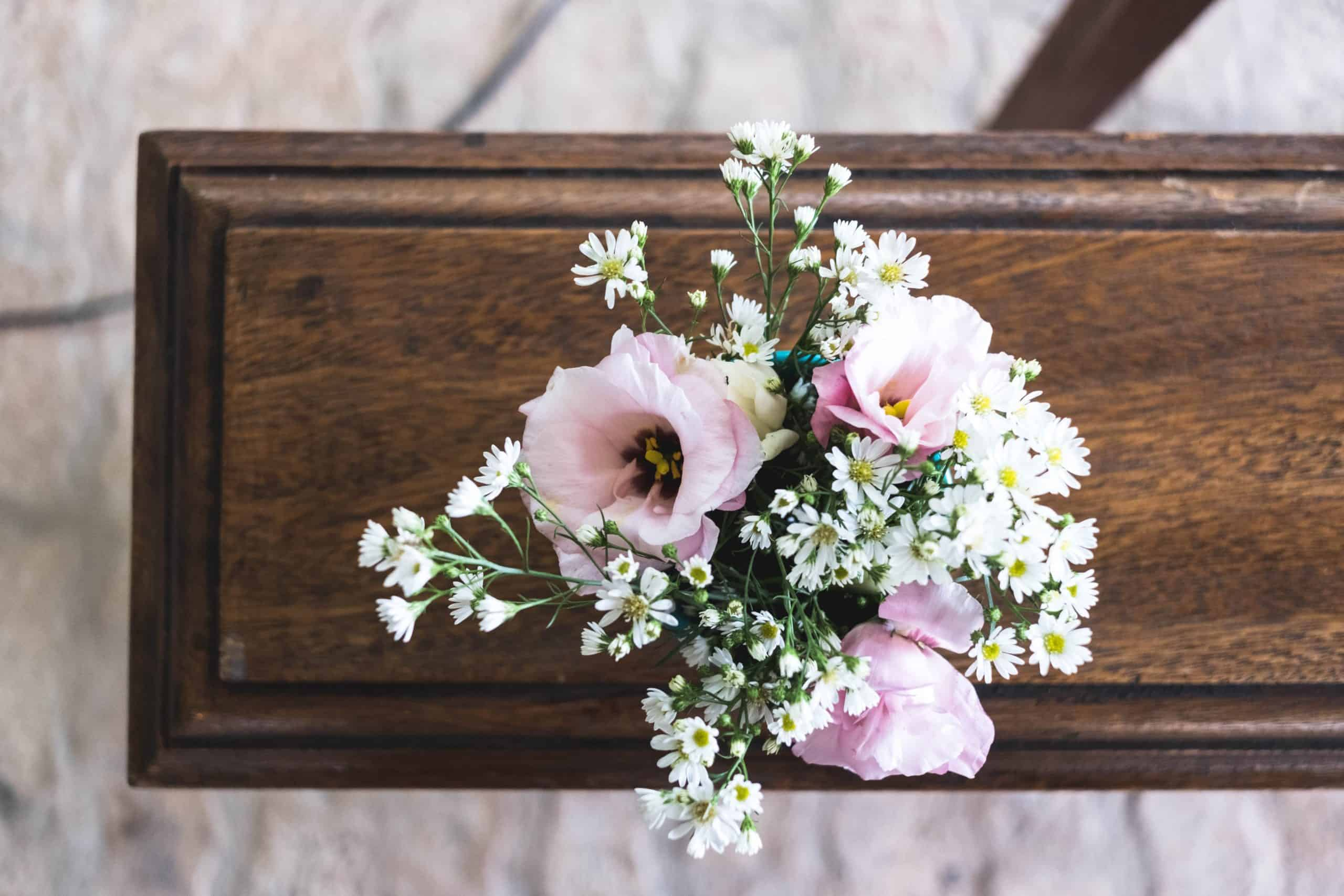 What to Look For When Choosing Flowers For Funeral